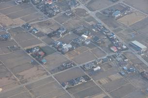 田んぼと住宅の写真素材 [FYI03869027]