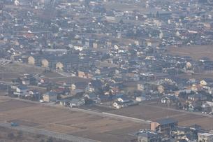 田んぼと住宅の写真素材 [FYI03869032]