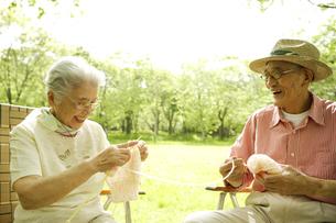 日本人のシニア夫婦の写真素材 [FYI03869116]