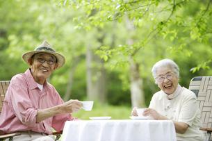 日本人のシニア夫婦の写真素材 [FYI03869119]