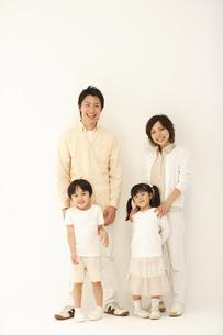 二世代家族の写真素材 [FYI03869250]