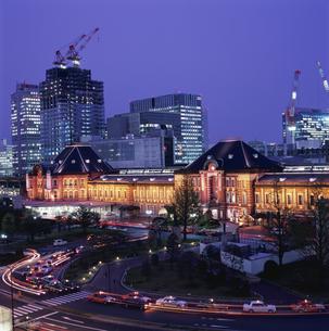 丸ビルから見た東京駅の写真素材 [FYI03869388]