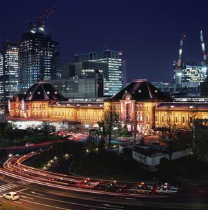 丸ビルから見た東京駅の写真素材 [FYI03869389]