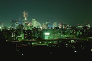 唐沢公園から見たみなとみらいの夜景の写真素材 [FYI03869961]