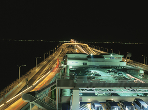 海ほたるのライトアップの写真素材 [FYI03870114]