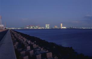 茜浜から幕張を望む夜景の写真素材 [FYI03870120]