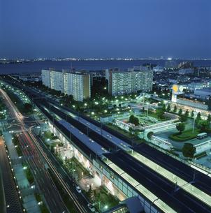 浦安から幕張を望む夜景の写真素材 [FYI03870135]