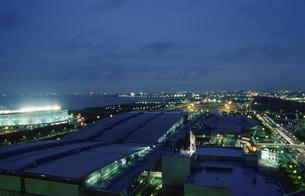 幕張から船橋方面を望む夜景の写真素材 [FYI03870139]