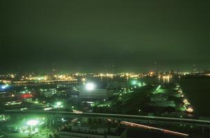 千葉の港湾の夜景の写真素材 [FYI03870155]