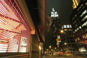 夜のマンハッタンの写真素材 [FYI03870736]