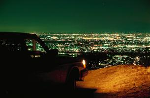 大岩山から望む足利市街と車の写真素材 [FYI03870851]