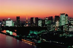 勝どきから東京タワーと富士山遠望の写真素材 [FYI03870878]