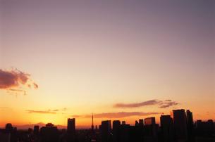 勝どきから東京タワーと富士山遠望の写真素材 [FYI03870879]