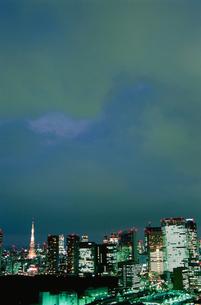 勝どきから望む東京タワー方面の夜景の写真素材 [FYI03870908]
