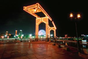 神戸ハーバーランド  はねっこ広場の夜景の写真素材 [FYI03870984]