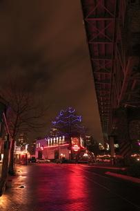 グランビルアイランドの夜景の写真素材 [FYI03871268]