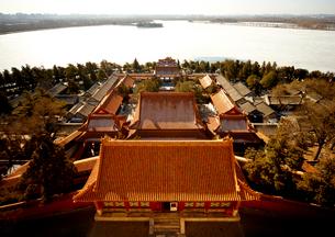 頤和園 仏香閣から昆明湖を望むの写真素材 [FYI03872047]