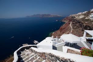 崖につづく階段の写真素材 [FYI03872075]