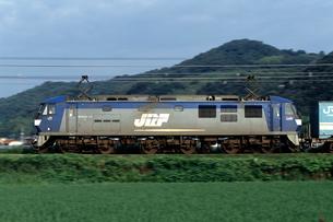 EF210形電気機関車の流し撮りの写真素材 [FYI03875603]