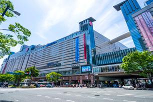 福岡県 天神バスセンター前の写真素材 [FYI03875792]