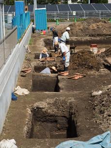遺跡の発掘作業の写真素材 [FYI03876435]