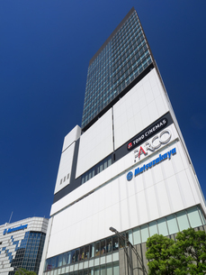 東京都 上野フロンティアタワーの写真素材 [FYI03876607]
