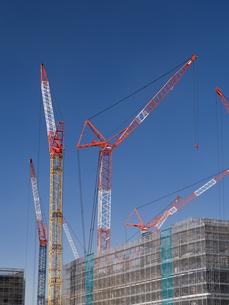 高層ビルの建設現場の写真素材 [FYI03876706]