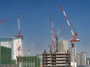 高層ビルの建設現場の写真素材 [FYI03876712]