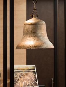 東京証券取引所 上場の鐘の写真素材 [FYI03876823]