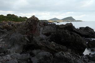 五島列島 鎧瀬熔岩海岸 -玄武岩溶岩流-の写真素材 [FYI03877048]