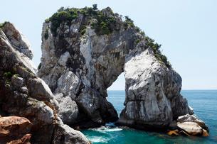 和歌山県 白崎海岸の大規模石灰岩体 -海溝付加体のオリストリス-の写真素材 [FYI03877056]