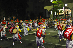 8月夏 盛岡さんさ踊り 東北の夏祭りの写真素材 [FYI03877157]