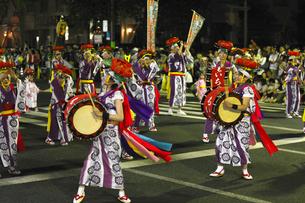 8月夏 盛岡さんさ踊り 東北の夏祭りの写真素材 [FYI03877159]