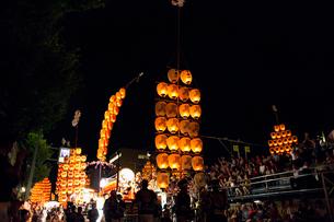 8月夏 秋田竿燈まつり 東北三大夏祭りの写真素材 [FYI03877161]
