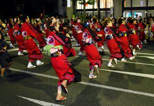 8月夏 盛岡さんさ踊り 東北の夏祭りの写真素材 [FYI03877162]