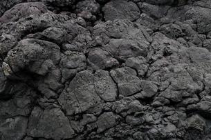 6月初夏 屋久島海岸の枕状溶岩の写真素材 [FYI03877252]