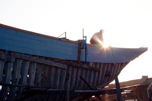 モロッコ エッサウィラの船大工の写真素材 [FYI03877434]