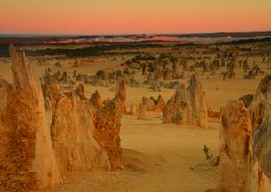 ピナクルスの日の出の写真素材 [FYI03877698]