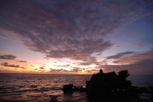 タナロット寺院の夕景の写真素材 [FYI03877725]