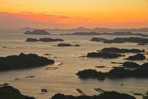 九十九島の夕景の写真素材 [FYI03877746]