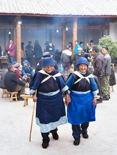中国 雲南省 麗江 白沙村 ナシ族の写真素材 [FYI03878126]