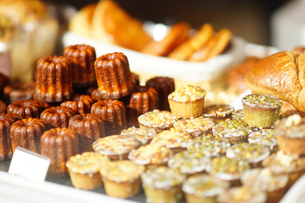 モンマルトルのケーキ屋さんの写真素材 [FYI03878523]