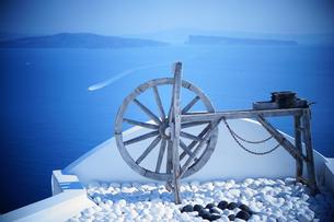 サントリーニ島のオブジェの写真素材 [FYI03878532]