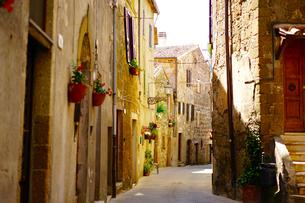 イタリア ピティリアーノの街の写真素材 [FYI03878659]
