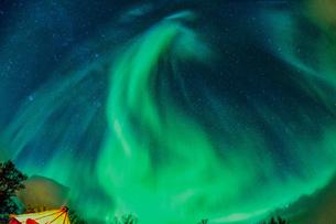 ノルウェーで見るオーロラの写真素材 [FYI03878663]