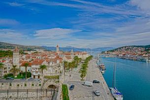 クロアチア トロギールの街並みの写真素材 [FYI03878809]