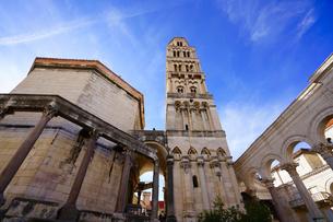 クロアチア/スプリット 大聖堂と鐘楼の写真素材 [FYI03878853]
