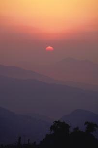 サランコットの丘から見る日の出の写真素材 [FYI03878891]