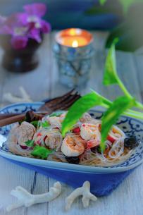 ヤムウンセン 春雨のサラダ タイ料理の写真素材 [FYI03879095]