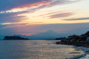 江ノ島と富士山の写真素材 [FYI03879113]